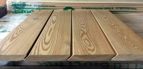 Планкен скошенный из лиственницы сорт AВ 20х140x3